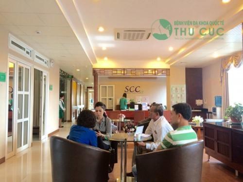 Khoa Ung bướu - Bệnh viện Đa khoa Quốc tế Thu Cúc hợp tác toàn diện trong điều trị ung thư với đội ngũ bác sĩ hàng đầu Singapore, đã mang đến cơ hội sống cho nhiều người bệnh ung thư.