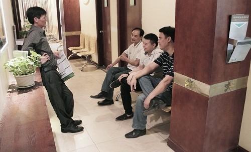 Nhiều người tìm đến Bệnh viện Thu Cúc để được thăm khám và có chỉ định điều trị cụ thể