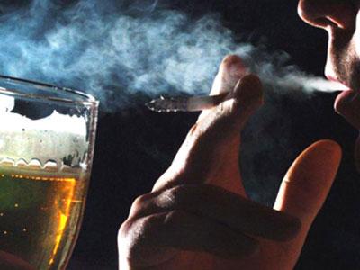 Thuốc lá và rượu bia là kẻ thù số 1 của nam giới