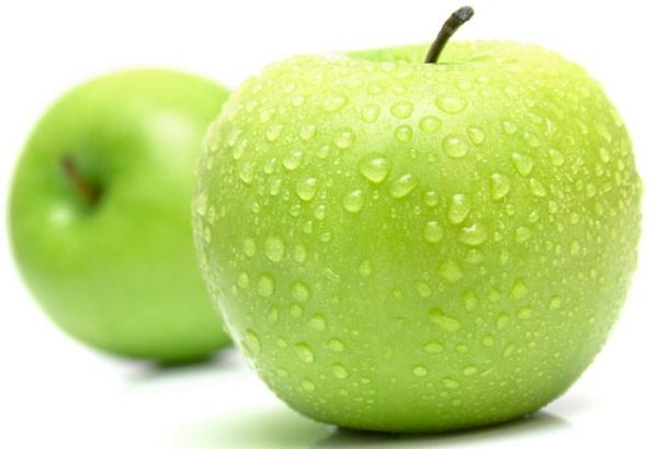 Táo chứa chất xơ không hòa tan, chống táo bón và cả chất xơ hòa tan, có thể giúp giảm cholesterol.  Thai phụ nên thường xuyên ăn táo.