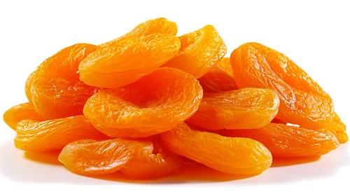 Quả mơ có hàm lượng cao chất chống oxy hóa là beta-carotene, do màu vàng cam ngoài lớp vỏ. Trong cơ thể, beta-carotene chuyển đổi thành vitamin A – một loại vitamin giúp phát triển và duy trì sức khỏe của răng, xương và da.