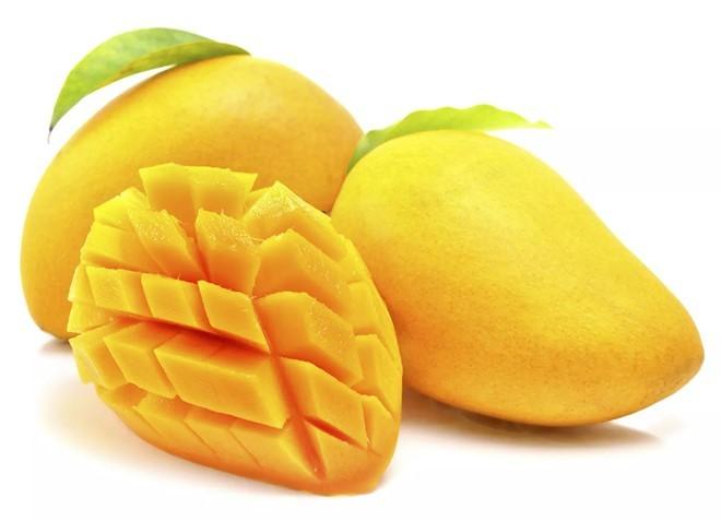 Xoài chứa chất xơ, vitamin A và C. Đây là loại quả bổ dưỡng, dễ ăn tốt cho tất cả mọi người đặc biệt là bà bầu.