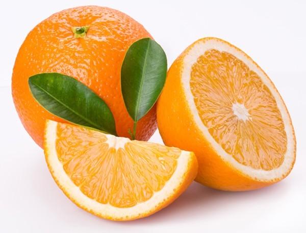 Cam là một trong những loại trái cây có chứa nhiều vitamin C, vitamin A, canxi và chất xơ... rất bổ dưỡng cho cơ thể phụ nữ mang thai.