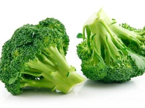 Ngoài vitamin C, folate, sắt, canxi, beta-caroten, súp lơ xanh còn dồi dào chất xơ. Một phần súp lơ nấu canh, luộc hoặc xào với thịt gà rất ngon miệng, lại bổ dưỡng. Ngoài ra, súp lơ xanh còn rất giàu chất chống oxy hóa, tốt cho hệ tiêu hóa của phụ nữ mang thai.