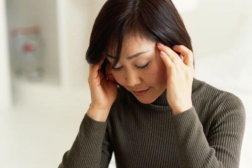 Có nhiều bệnh nhân cho hay họ cảm thấy lạc lõng trong một vài giờ đồng hồ hoặc một vài ngày trước cơn động kinh.