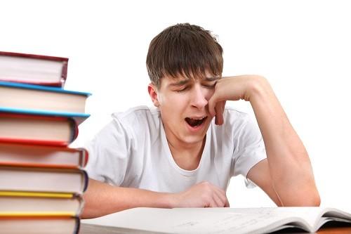 Thiếu sắt sẽ gây ra mệt mỏi, suy nhược và có thể ảnh hưởng tới hiệu suất công việc.