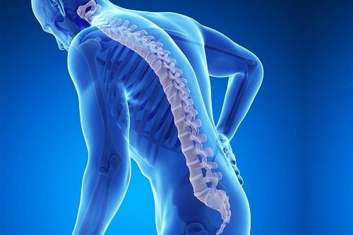 Sự kết hợp của quá trình lão hóa và thiếu dinh dưỡng cuối cùng có thể dẫn đến sự phát triển bệnh loãng xương.