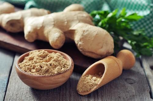 Gừng – một loại thảo dược tự nhiên có thể giúp giảm bớt đầy hơi, khó chịu.