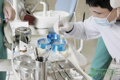 Chuyên khoa Răng Hàm Mặt - Bệnh viện Thu Cúc sẵn sàng cung cấp dịch vụ từ 8 giờ đến 20 giờ các ngày từ thứ 2 đến thứ 7, riêng chủ nhật làm từ 8h đến 17h.