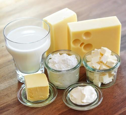 Sữa cung cấp canxi, giúp điều hòa huyết áp và giữ cho cơ bắp luôn hoạt động tốt.