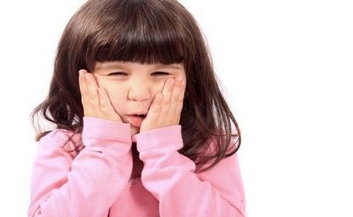 Quai bị là bệnh do virut gây ra, dễ lây lan và thường gặp ở trẻ dưới 15 tuổi