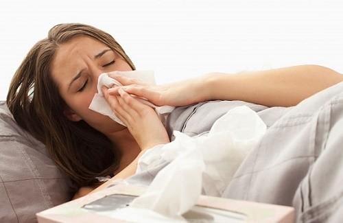 Bệnh viêm xoang thường xuất hiện khi thời tiết thay đổi, khiến người bệnh vô cùng khó chịu