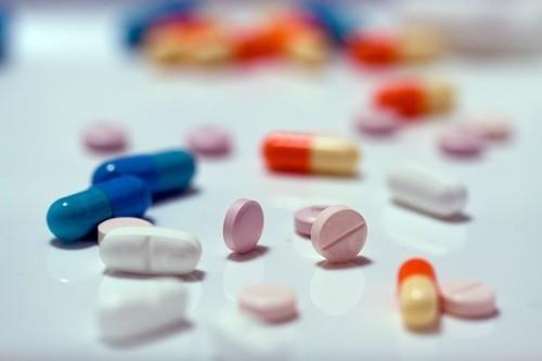 Một số thuốc có thể gây tác dụng phụ là buồn ngủ, khiến người bệnh cảm thấy mệt mỏi vào ban ngày. T