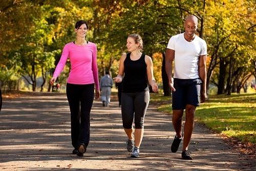 Khi bắt đầu tập thể dục, nên bắt đầu từ từ và tăng dần cường độ sau đó.