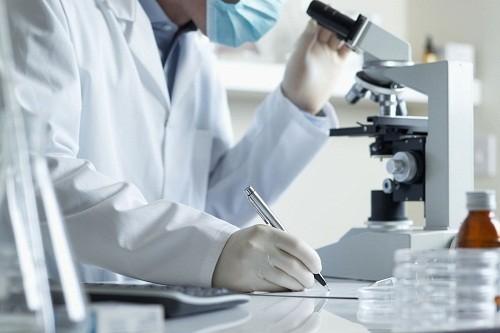 Tùy vào chỉ số CEA trong máu mà các bác sĩ sẽ chẩn đoán được mức độ thuyên giảm hay tái phát của bệnh ung thư
