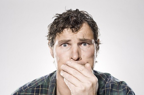 Buồn nôn và ói mửa là một trong những triệu chứng thường gặp nhất khi túi mật có bất thường.
