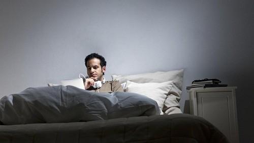 Có rất nhiều nguyên nhân gây đổ mồ hôi  đêm ở nam giới, từ các bệnh lý không quá nghiêm trọng cho tới những tình trạng yêu cầu phải chăm sóc y tế ngay lập tức.