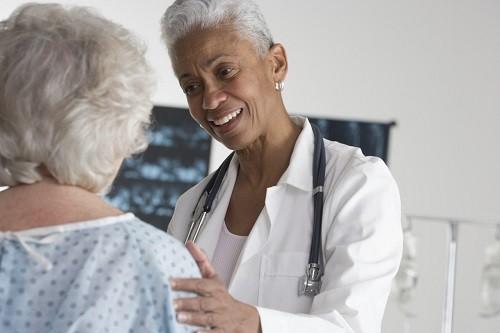 Nên đi khám để dược kiểm tra và tư vấn điều trị cụ thể.