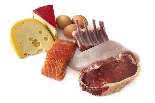 Cơ thể con người cần các axit amin trong thực phẩm giàu protein để tái tạo tế bào và mô bị hư hại do chấn thương.