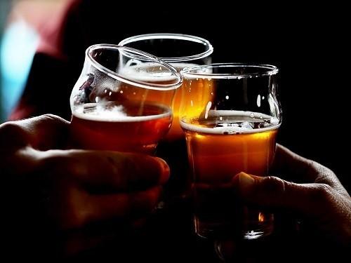 Rượu bia có thể cản trở khả năng hấp thụ canxi của cơ thể.