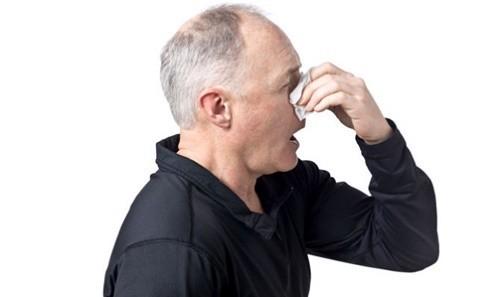 Viêm xoang thường gặp ở người cao tuổi do nhiễm khuẩn, nhiễm nấm đường hô hấp