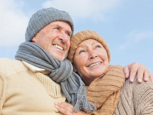 Để phòng viêm xoang, người cao tuổi cần giữ ấm cơ thể khi thời tiết chuyển mùa