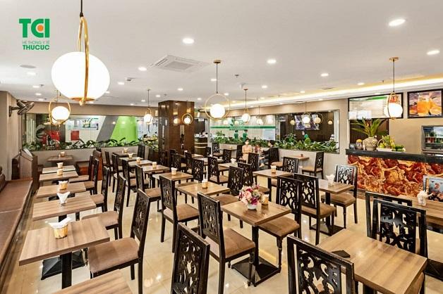 Khu vực nhà hàng tại khoa Phụ Sản sang trọng, tiện nghi