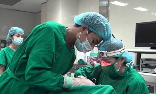 Phẫu thuật cắt polyp mũi tại Bệnh viện Thu Cúc được thực hiện với bác sĩ chuyên khoa giỏi