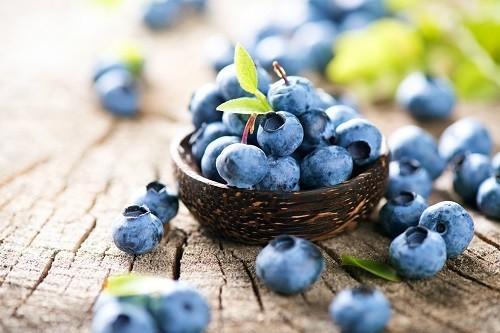 . Loại quả thơm ngon này chứa nhiều các chất chống oxy hóa, tiêu biểu là vitamin C và E, giúp bảo vệ các mô trong cơ thể.