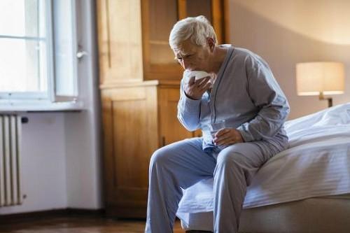 Do mắc nhiều bệnh mạn tính khác nhau khi về già nên khó xác định chính xác bệnh lao phổi