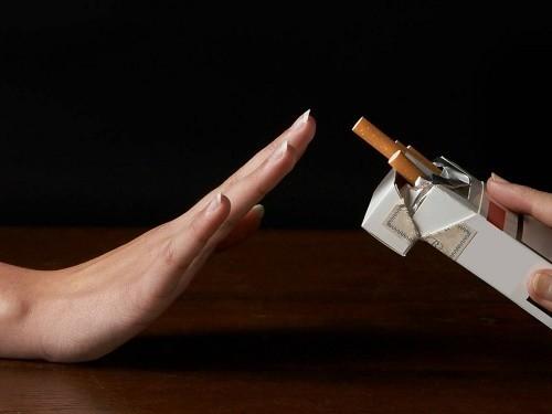 Trong quá trình điều trị bệnh phổi tắc nghẽn mạn tính, người bệnh cần bỏ thuốc lá, tránh tiếp xúc với các yếu tố nguy cơ gây bệnh
