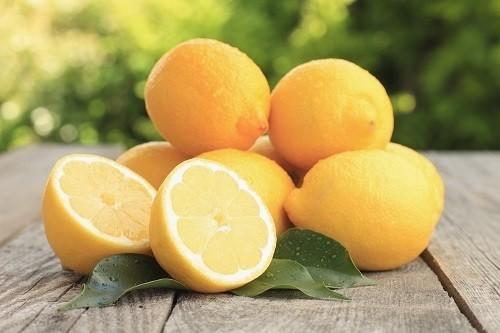 Chanh được xem là thực phẩm tốt cho gan vì nó giúp làm sạch gan