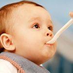 Chế độ dinh dưỡng phù hợp cho trẻ giai đoạn tập đi