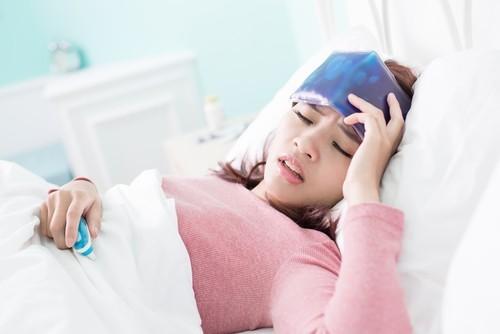 Ngoài dấu hiệu ho lao, người bệnh còn thường xuyên mệt mỏi, sốt cao, gầy và sút cân