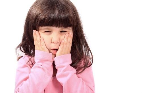 Trẻ bị đau răng thường là nỗi lo của nhiều bậc phụ huynh.