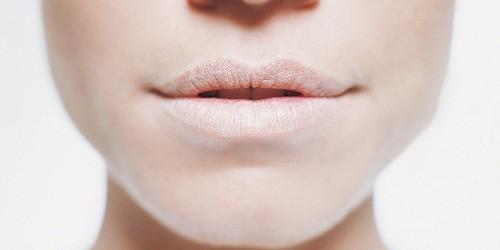 Khô miệng trong nhiều trường hợp lại là triệu chứng của các bệnh lý và vấn đề về sức khỏe, một trong số đó có liên quan tới gan - cơ quan lớn thứ hai của cơ thể.