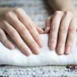 Ngắm móng tay đoán bệnh thận