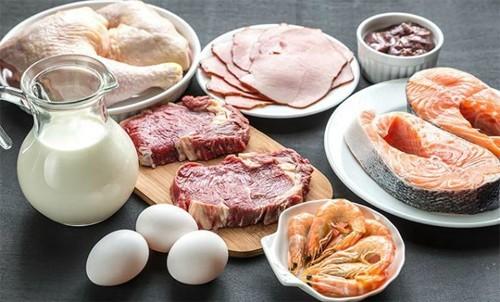 Người bệnh lao nên ăn những thực phẩm giàu kẽm, vitamin A, C, E...giúp tăng cường sức khỏe và cải thiện tình trạng bệnh