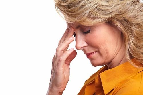 Sự lo âu cũng là một trong những nguyên nhân khiến tim đập nhanh hơn bình thường.