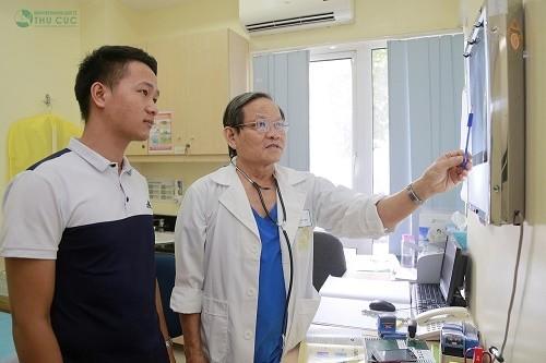 Người bệnh cần tới bệnh viện để bác sĩ thăm khám và chỉ định làm các xét nghiệm cần thiết nhằm chẩn đoán đúng bệnh