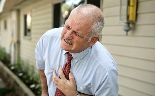 Có nhiều nguyên nhân gây suy hô hấp như mắc các bệnh tại phổi và các bệnh ngoài phổi