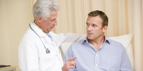 Bạn nên đến cơ sở chuyên khoa để được thăm khám khi nghi ngờ viêm phổi