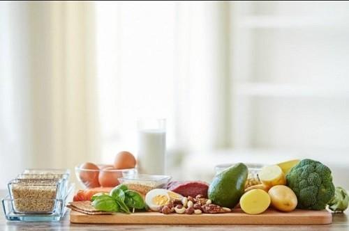 Chế độ ăn uống cân bằng, đầy đủ chất dinh dưỡng sẽ giúp cơ thể có đủ năng lượng và sức đề kháng để phòng chống lại bệnh tật.