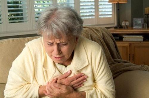 Bệnh viêm mủ màng phổi thường là do vi khuẩn, gây tình trạng đau ngực, khó thở...ảnh hưởng tới sức khỏe