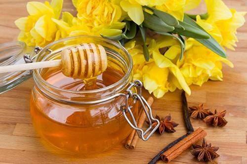 Ngoài ra, để dự phòng viêm phổi tái phát, người bệnh có thể sử dụng mật ong, húng quế hàng ngày