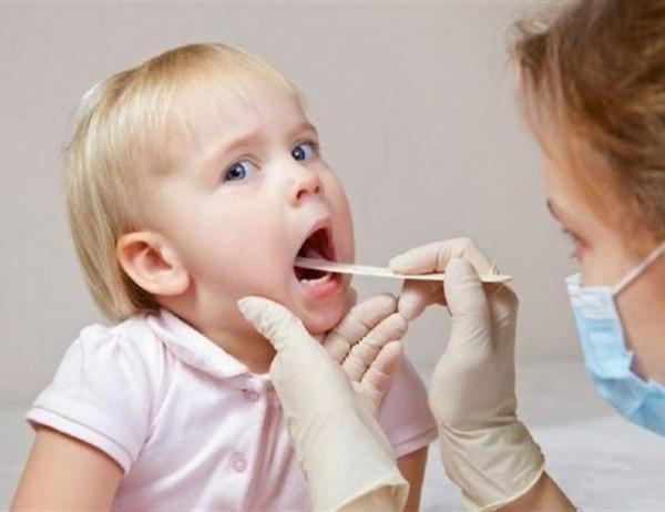 Bệnh nhân cần thăm khám và điều trị kịp thời khi có hiện tượng hẹp thanh quản