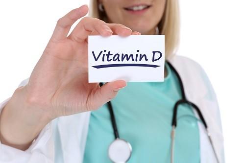 Việc thiếu hụt vitamin D làm giảm độ chắc khỏe của xương và một số nghiên cứu chỉ ra mối liên kết giữa tình trạng này với hội chứng mệt mỏi mạn tính.