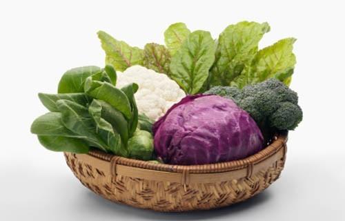 Các loại rau họ cải rất có lợi cho sức khỏe của phổi như bông cải xanh, súp lơ và cải bắp. Chúng chứa các chất chống oxy hóa, giúp cơ thể loại bỏ độc tố tích trong phổi do hút thuốc.
