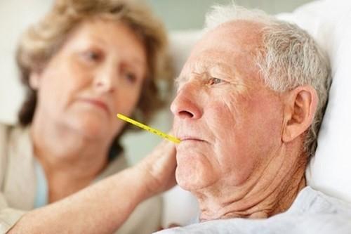 Để phòng suy hô hấp, người cao tuổi cần chú ý tới sức khỏe khi thời tiết thay đổi