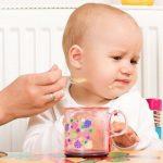 Trẻ biếng ăn mẹ phải làm sao?